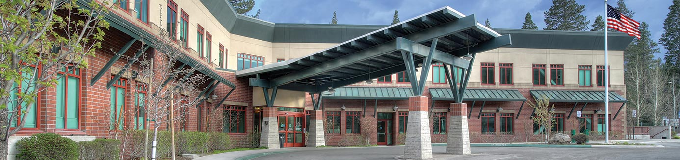exterior of tahoe forest hospital