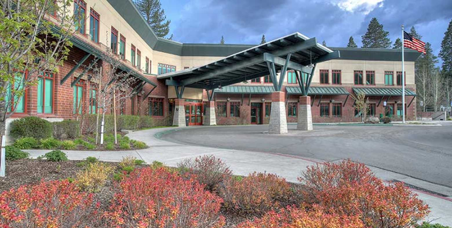 Front entrance of Tahoe Forest Hospital