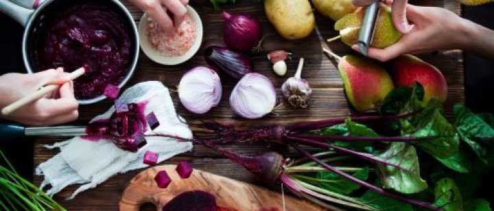 People preparing food