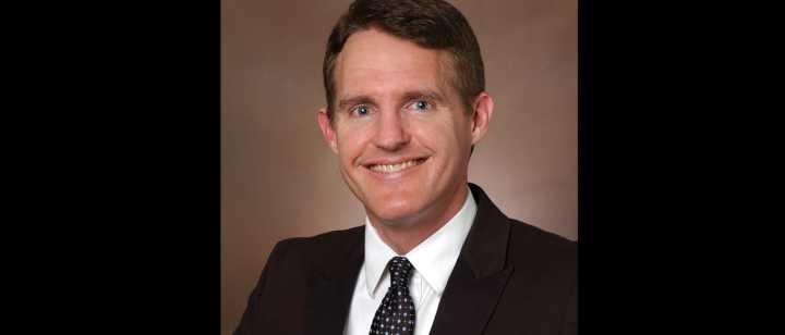 Dr. Dan Stoll headshot