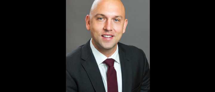 Dr. Jonathan Hagen headshot