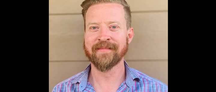 Jonathan Lowe PMH-APRN headshot