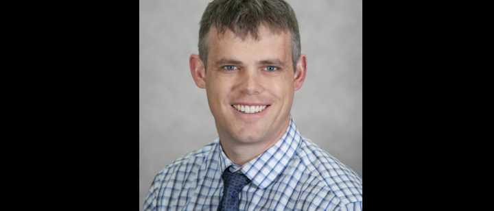 Dr. Justin Hunt