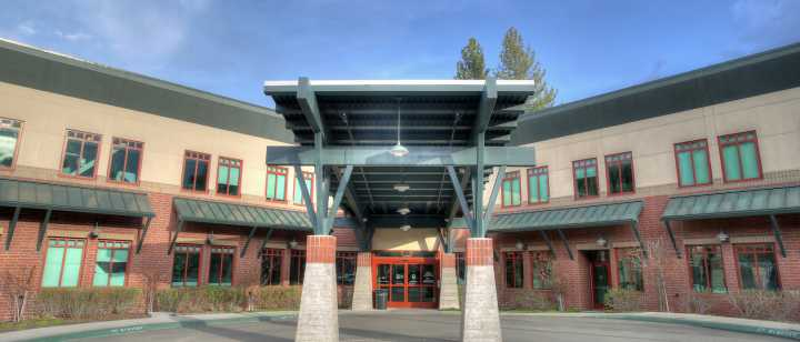 Entrance of Tahoe Forest Hospital