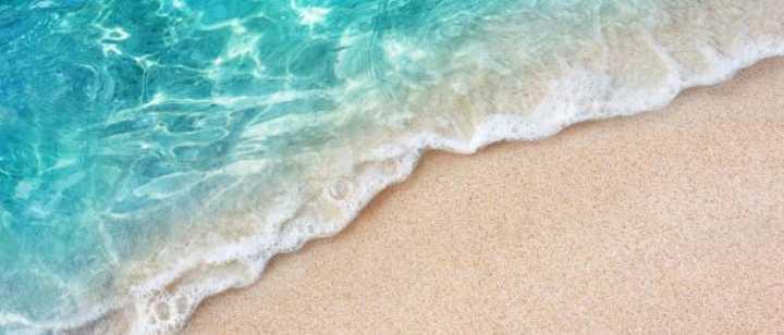 Aquamarine beach shoreline