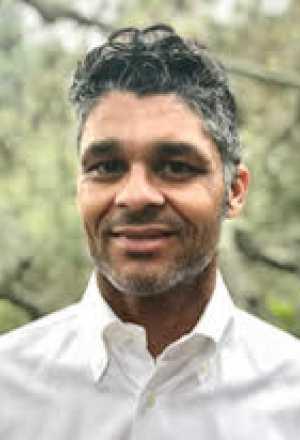 Dr. Chadha headshot