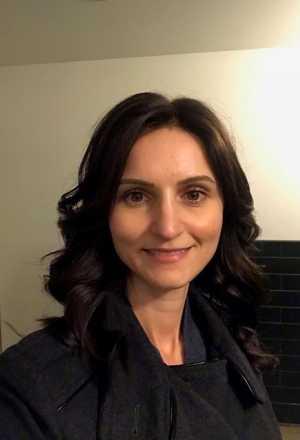 Elena Guslikov headshot