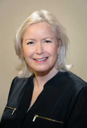 Dr. Daphne Palmer