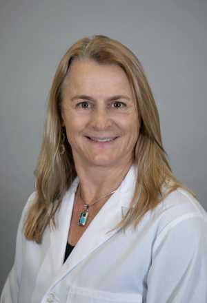 Dr. Nina Winans