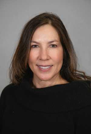 Lisa Stekert headshot